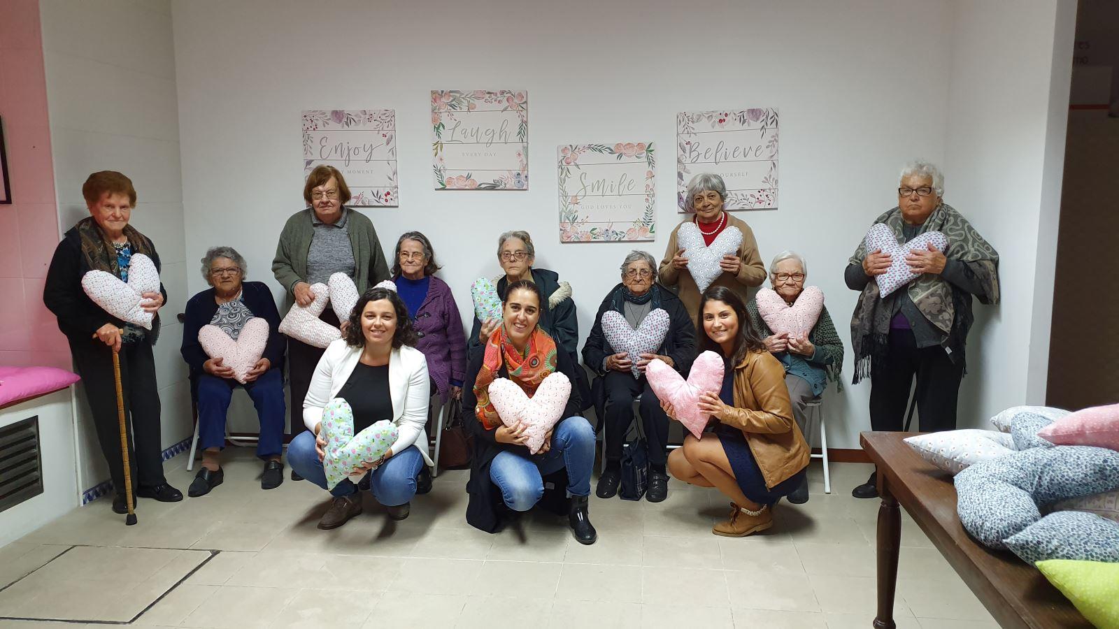 Grândola | Tricotar por solidariedade e valorização pessoal