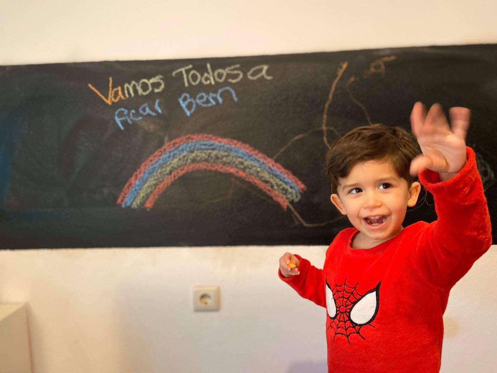 Covid-19 | Educação à distância garante apoio às famílias em casa