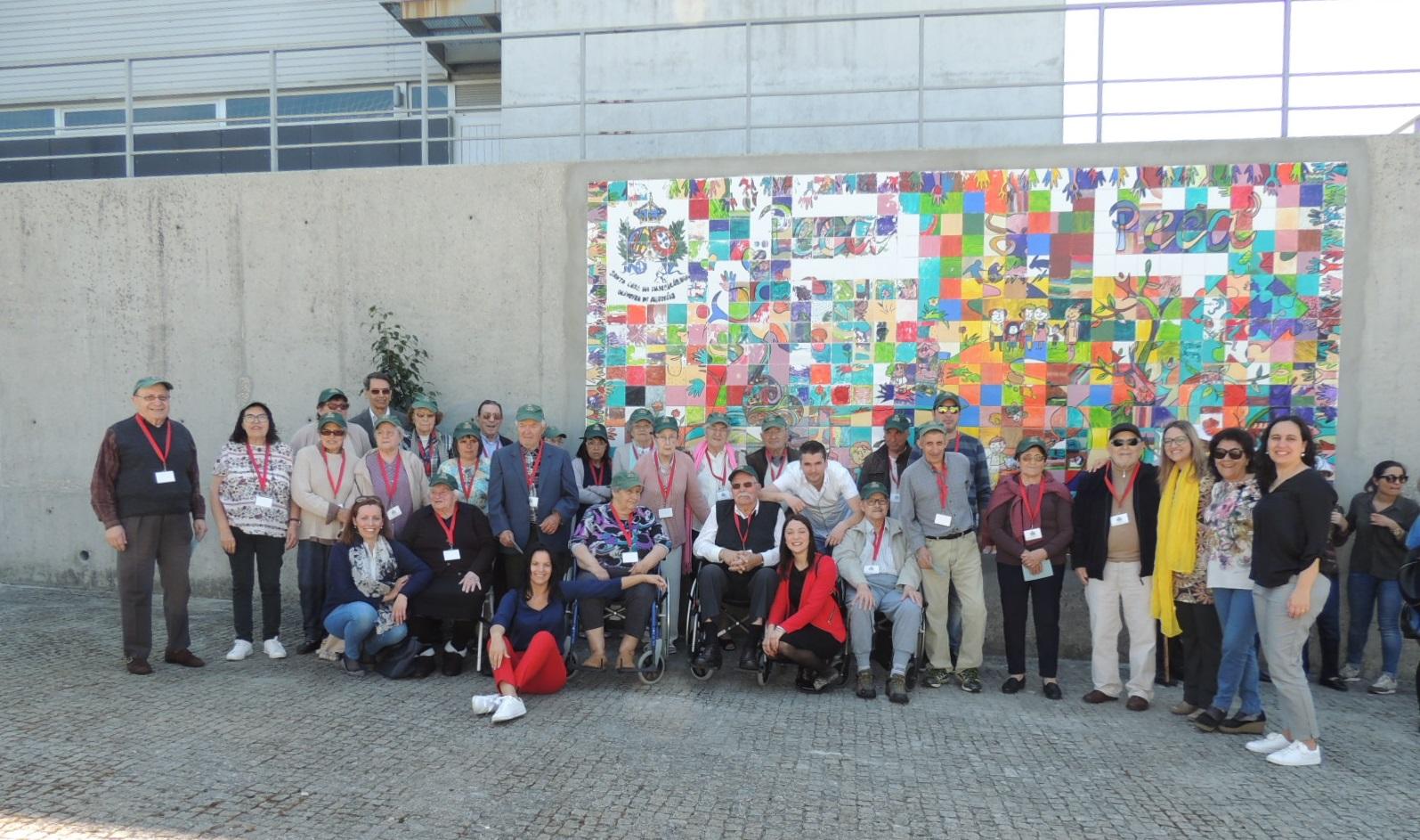 Oliveira de Azeméis | Painel é fruto do convívio entre gerações
