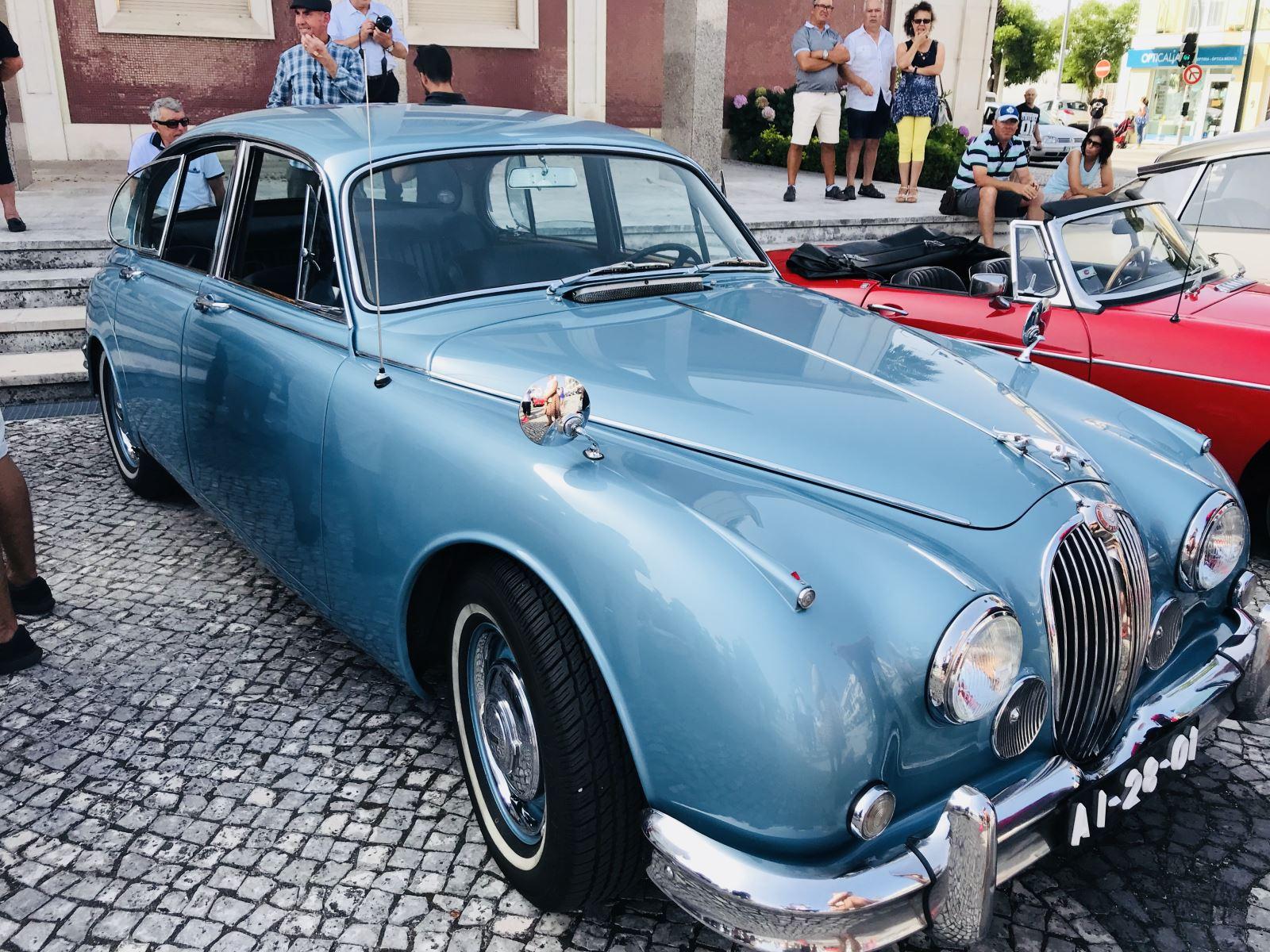 Carros antigos percorreram  ruas de Vagos