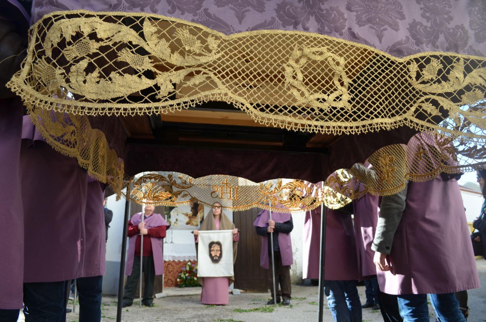 Atouguia da Baleia   Inovação e tradição com renda de bilros
