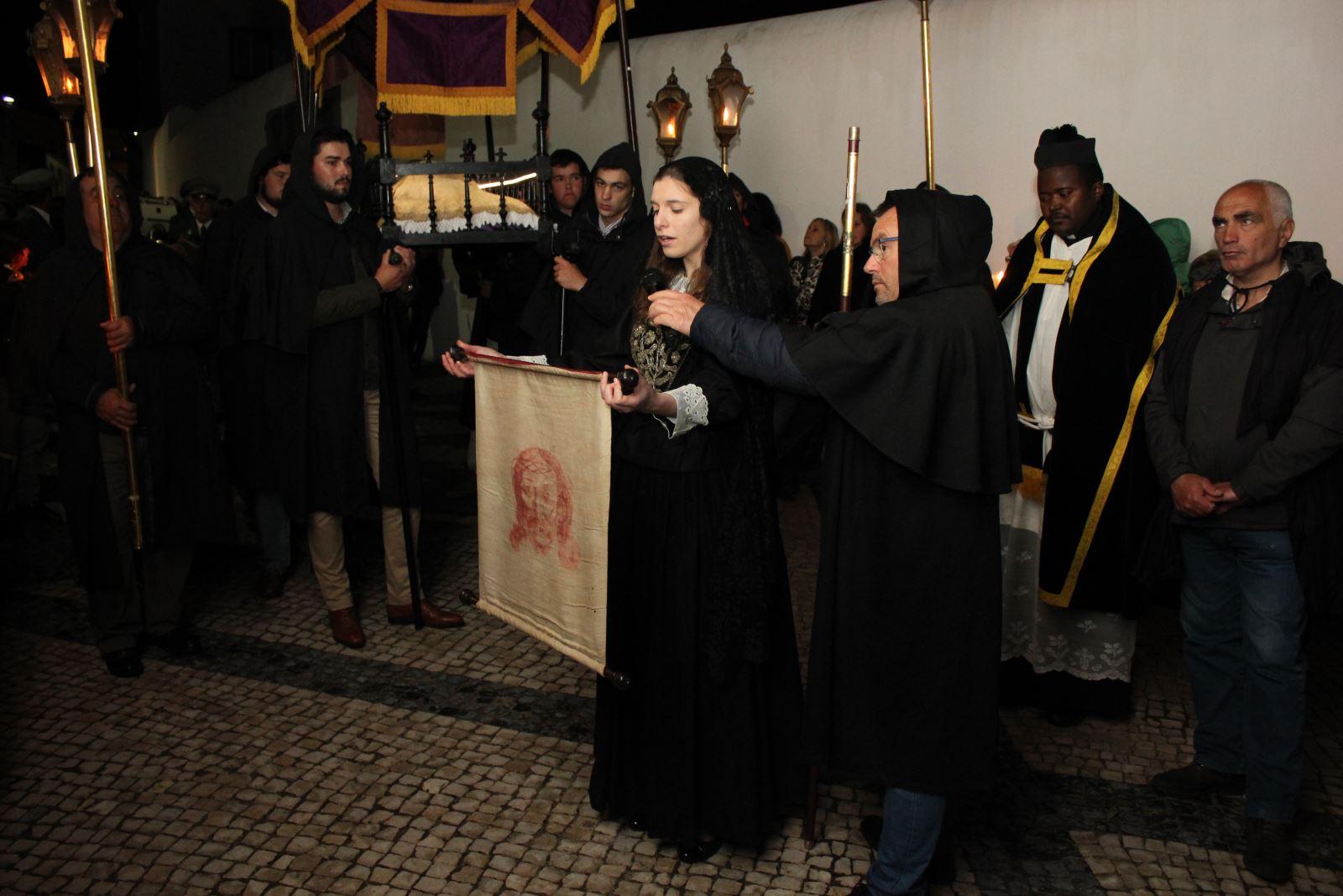 Alcáçovas | Comunidade em peso na Procissão do Senhor Morto
