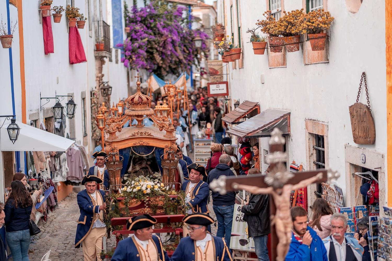 Tradição | Procissão secular regressa às ruas de Óbidos