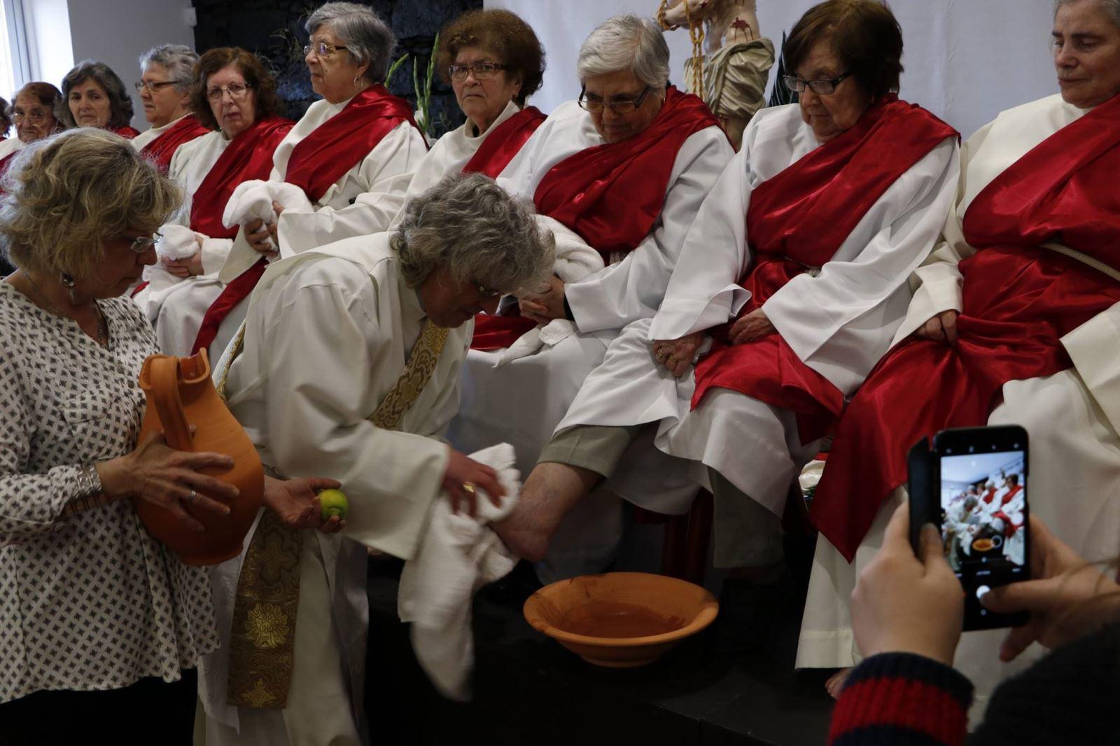 Semana Santa | Celebração do  lava-pés para idosos e jovens