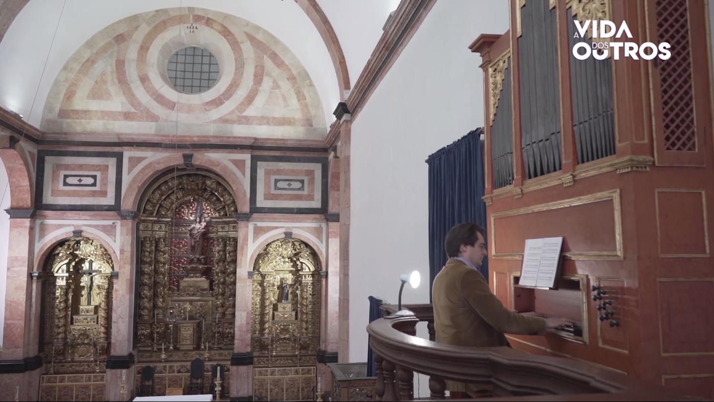 A Vida dos Outros | Órgão histórico de Torres Vedras próximo da comunidade