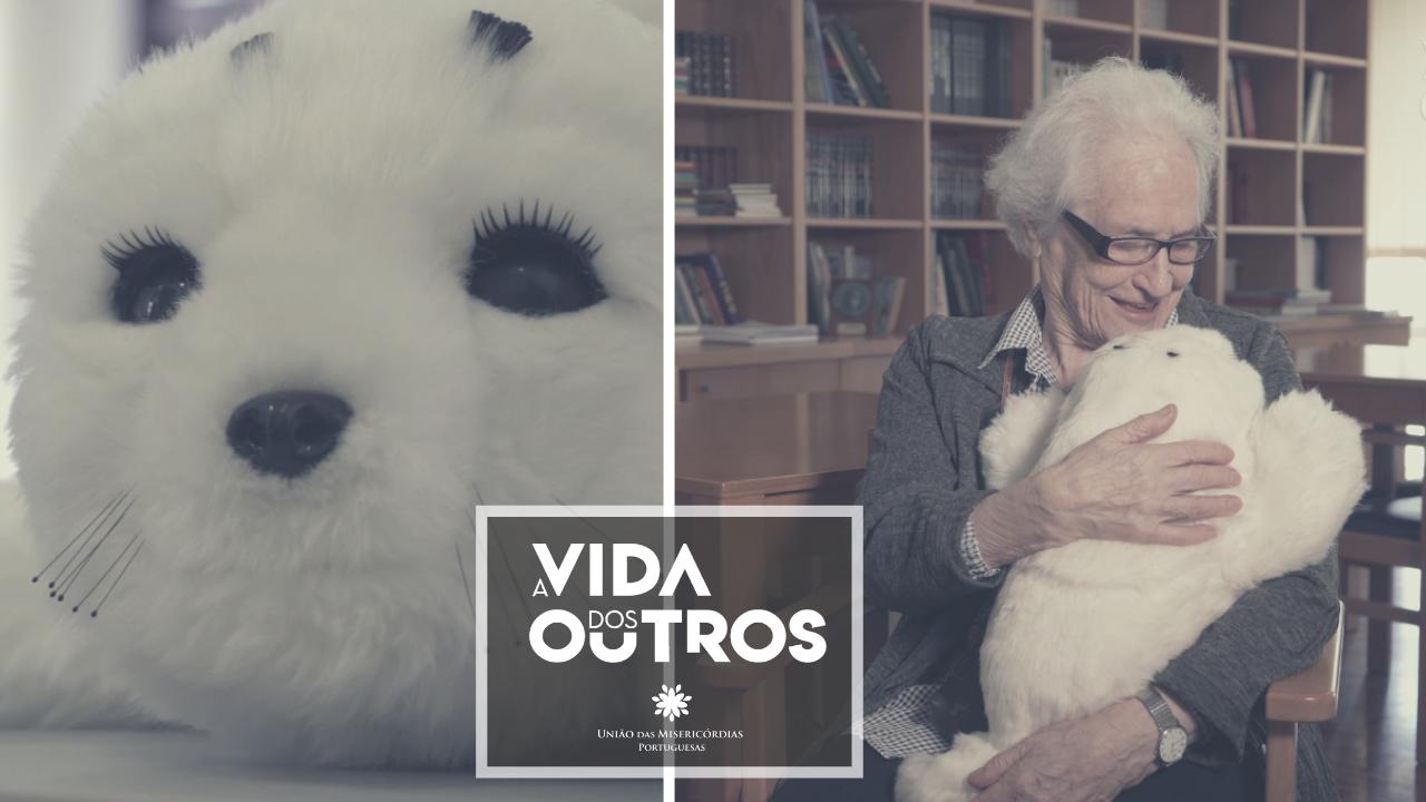 UMPtv | Robô terapêutico ajuda idosos com demência na Misericórdia de Pombal
