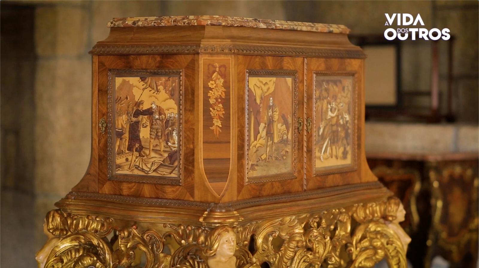 A Vida dos Outros | Coleção de móveis de embutidos da casa museu da Misericórdia de Alpedrinha